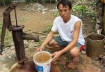 Tap chat thuong thay trong nguon nuoc gieng khoan