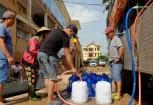 May loc nuoc khung ra vung lu Quang Binh