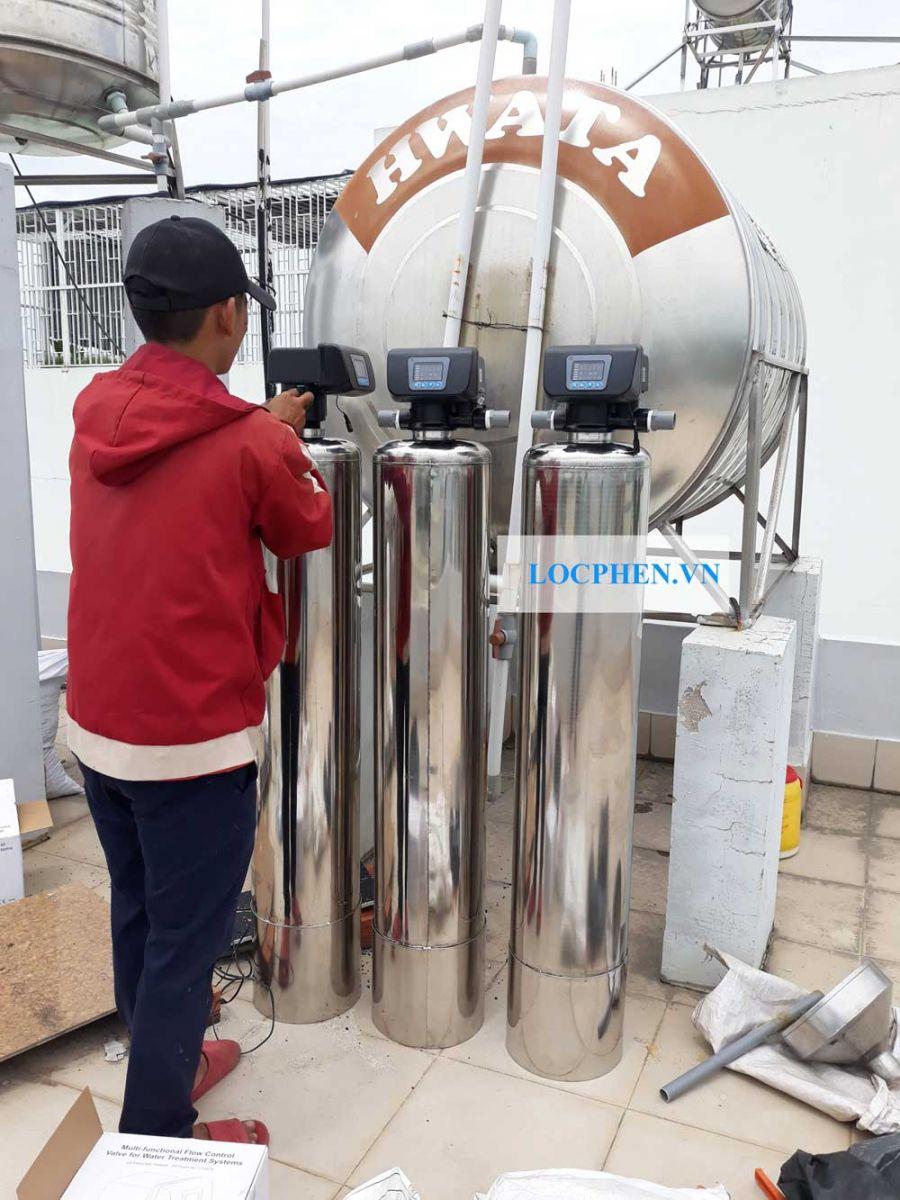 Bộ lọc nước 3 cột sử dụng auto van