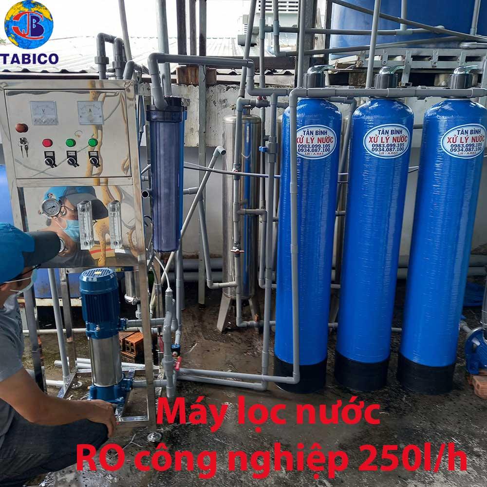 Lap dat may loc nuoc ro cong nghiep 250l/h tai phan van hon