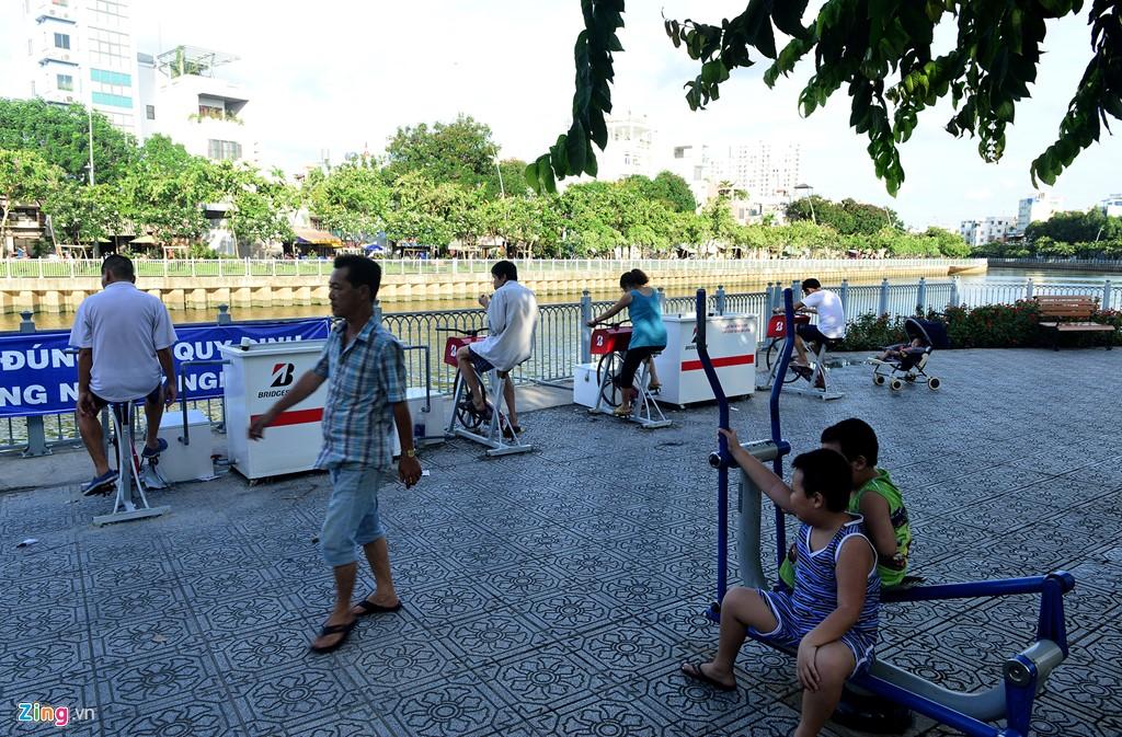 Xe đạp tập thể dục lọc nước đầu tiên ở Sài Gòn