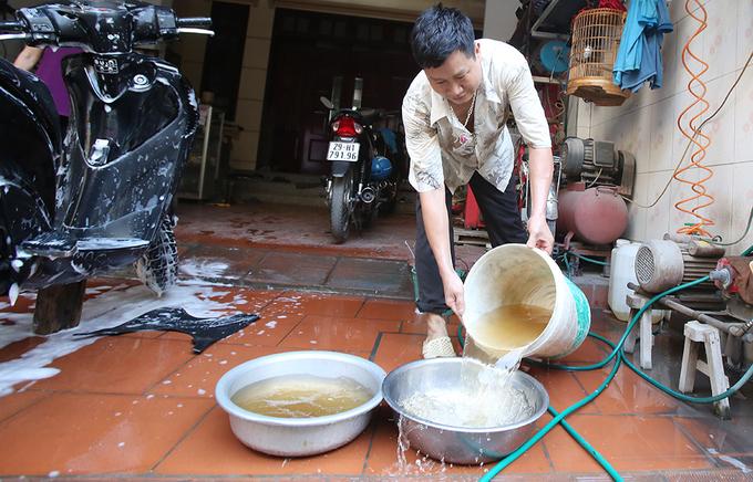 nước đóng cặn như gạch cua tại Hà Nội