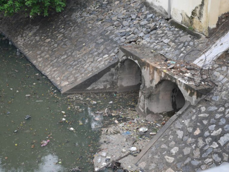Nước thải đô thị không qua xử lý đe dọa sức khỏe cộng đồng