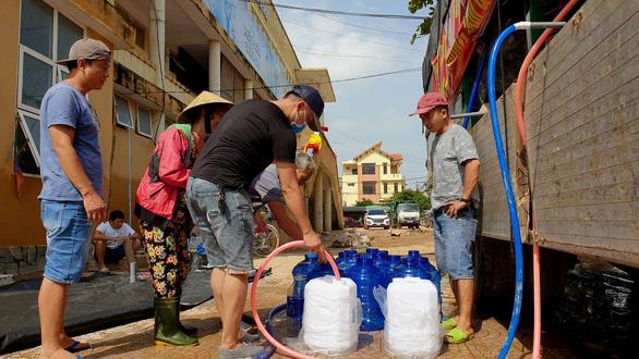 Máy lọc nước khủng ra vùng lũ Quảng Bình
