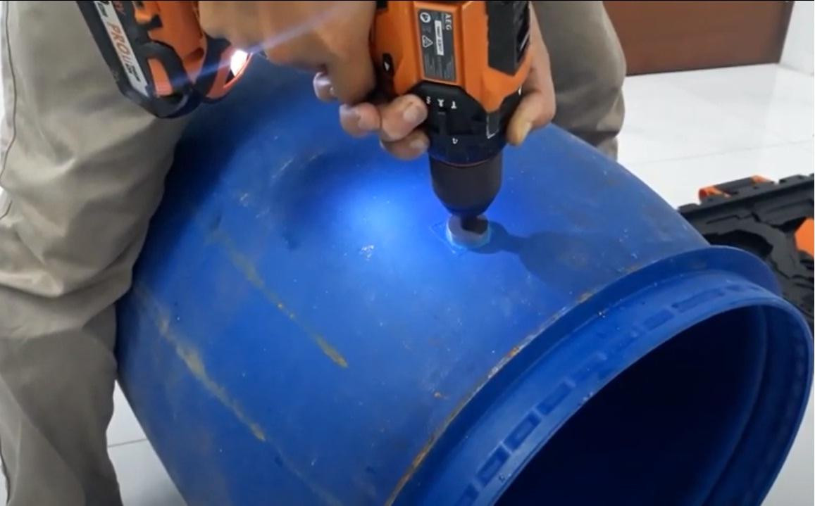 Cách lọc nước phèn thủ công bằng thùng phi nhựa