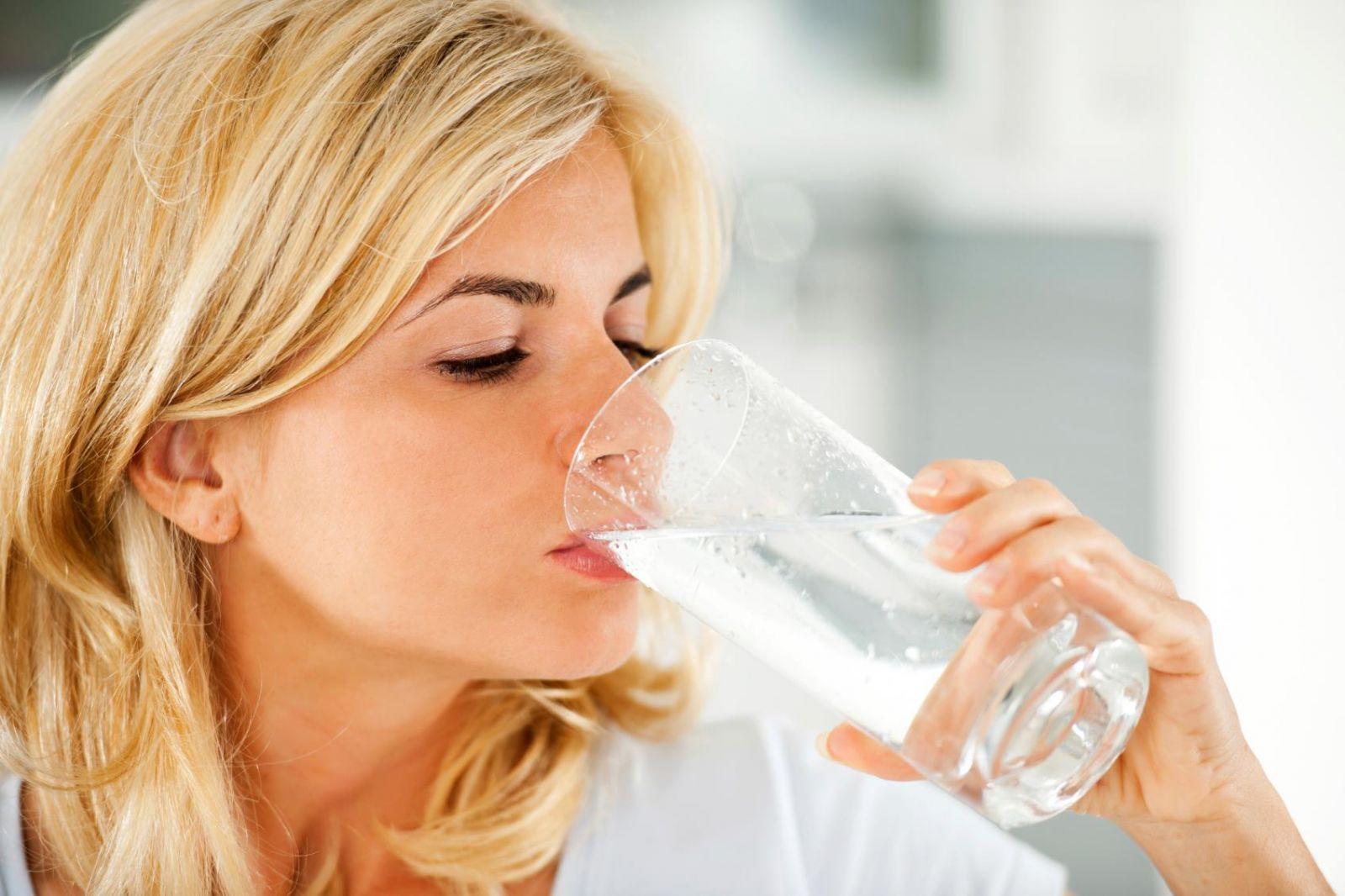Bạn có biệt rằng khi cơ thể uống đủ nước sẽ giúp bạn giảm cân?