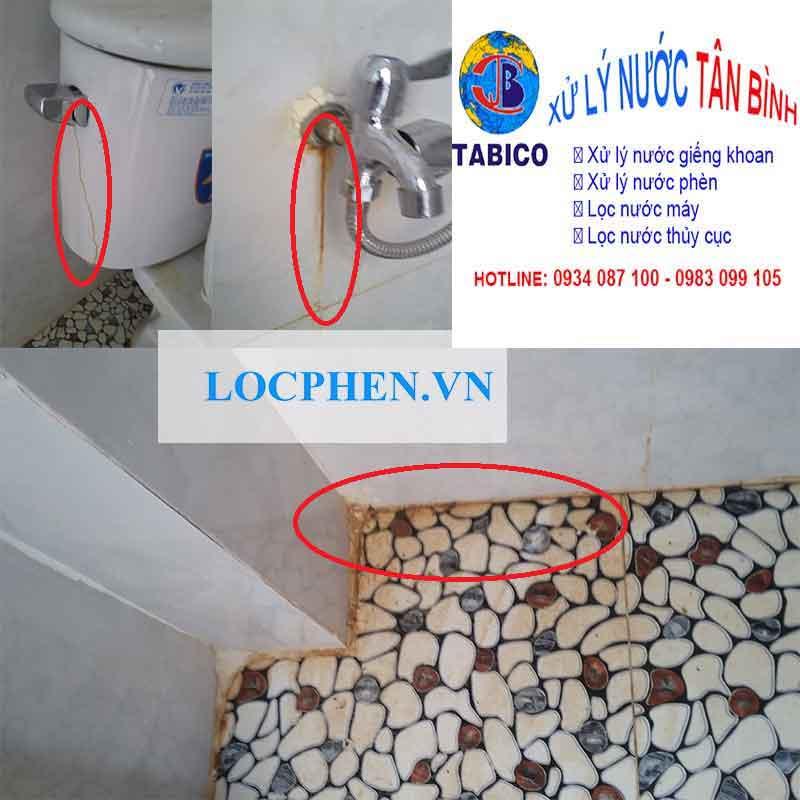 phèn bám nhiều nơi trong toilet